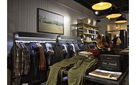 Фотогалерея торговой мебели магазина одежды и обуви