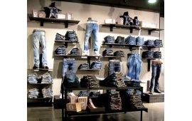 Фото мебели для магазина одежды 3