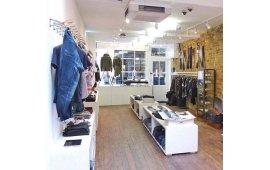 Фото мебели для магазина одежды 5