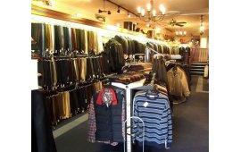 Фото мебели для магазина одежды 7
