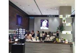 Фотогалерея торговой мебели магазина косметики и парфюмерии